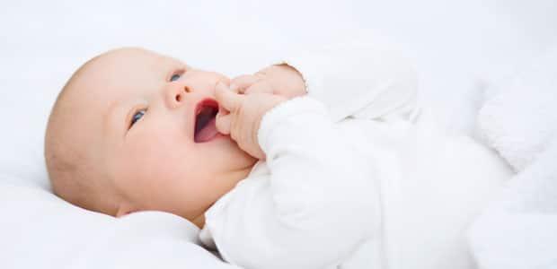 bebe 4 meses constipação o que fazer