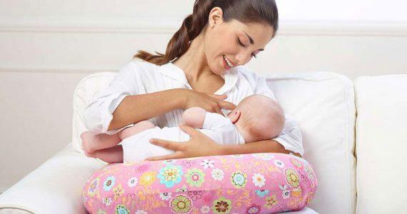 83703375dec Almofada de amamentação – O que é  Será útil  Enxoval do bebé